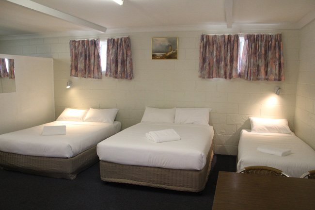 large family motel room