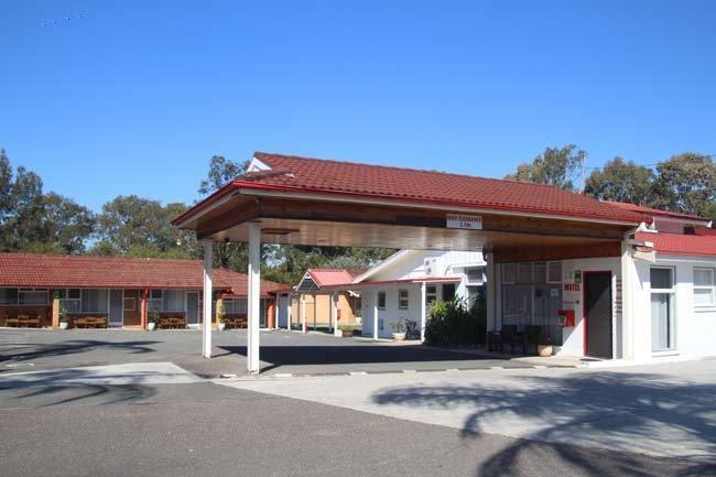 central coast motel reception area
