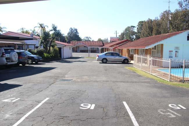 central coast motel parking lot