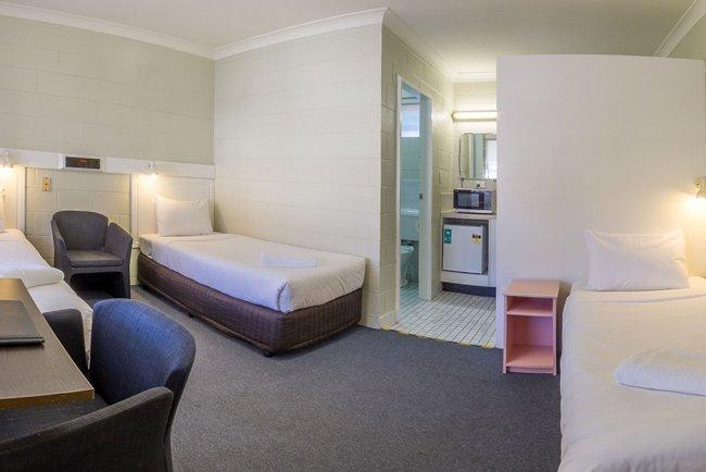 central coast motel triple room