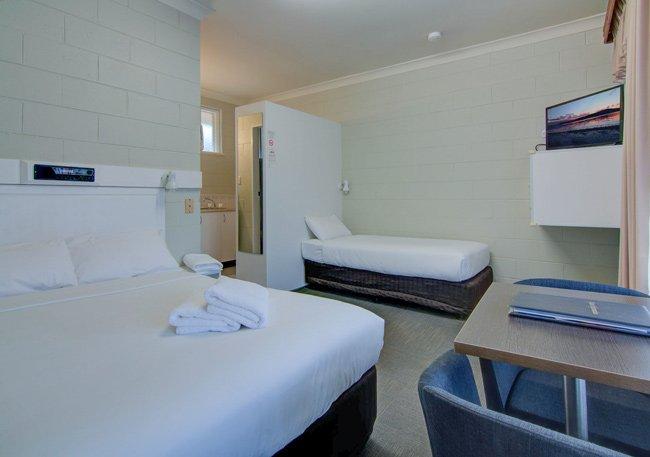 central coast motel twin room