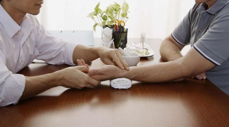 Call us to make an appointment for natural pain relief