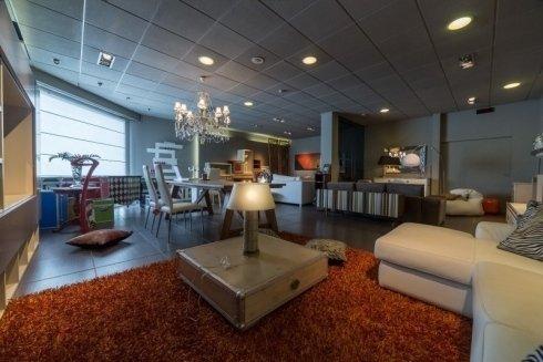 lampade, complementi di arredo, mobili in legno bassi