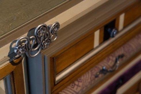 rifinitura metallo, maniglie artistiche, complementi per la casa