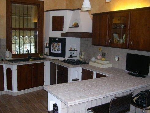 cucine su misura, cucine a muro, cucine in vari modelli