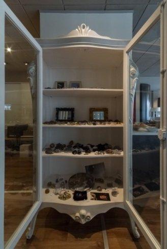librerie, cornici, oggetti per la casa