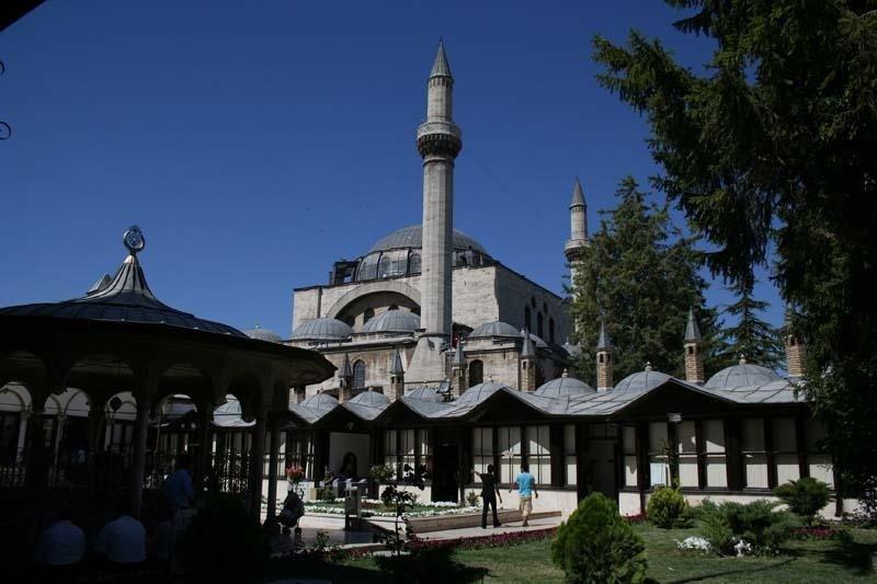 Mausoleo di Mevlana di notte