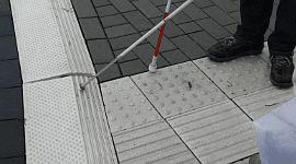 percorsi tattili per non vedenti, percorsi per disabili, sicurezza stradale