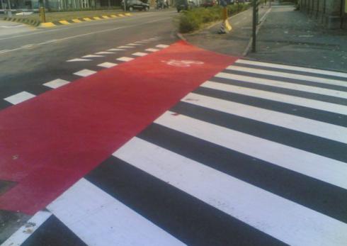 passaggio ciclabile, segnali di fermata, cartellonistica