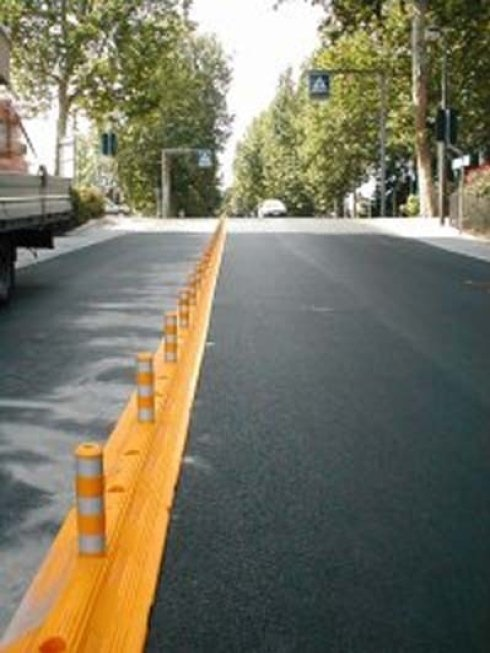 delineazioni stradali, delineazioni di margini e parcheggi, segnaletica luminosa, supporti per segnaletica