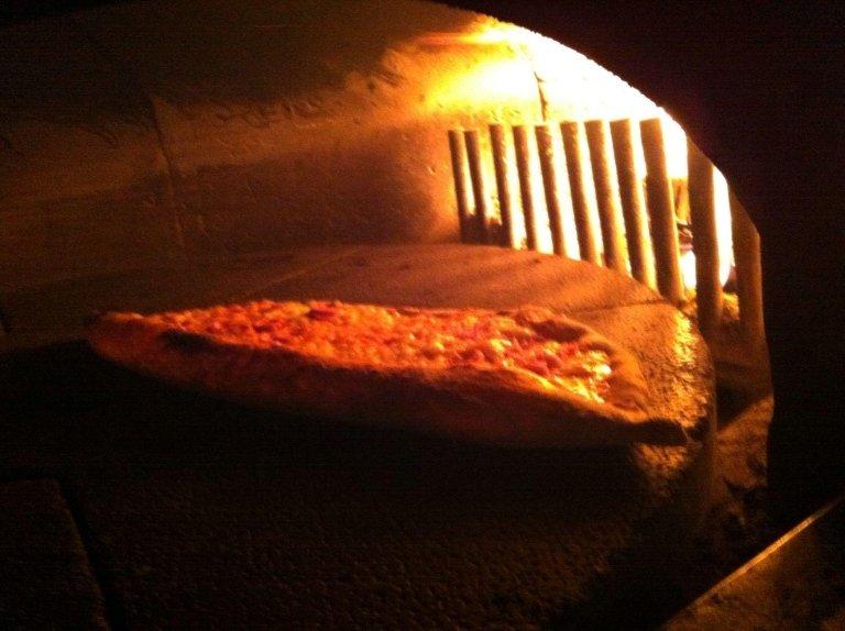 forno a legna pizzeria