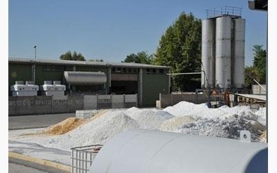 area raccolta materiali e rifiuti