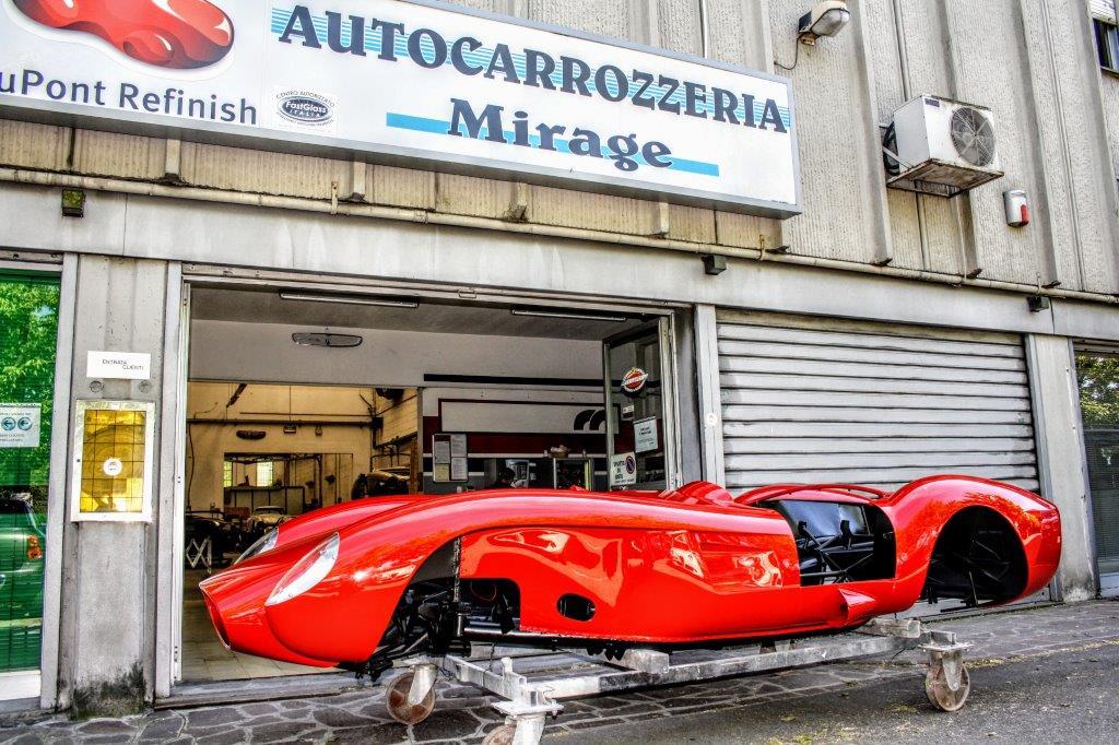 auto da corsa storica rossa