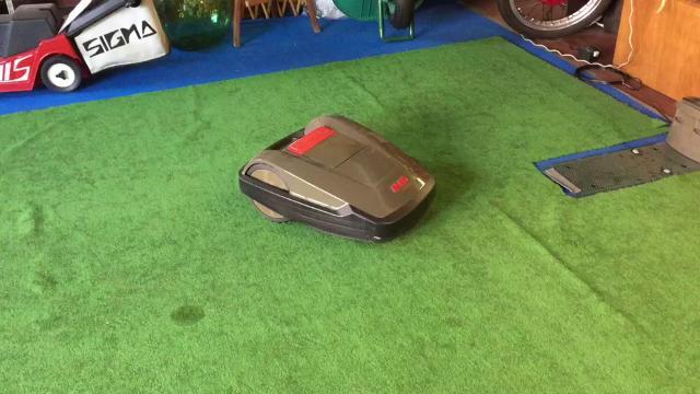 Robot taglia erba