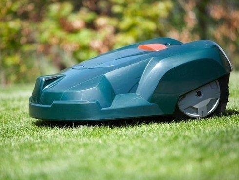 Scopri tutte le proposte e le linee di robot tosaerba de Il Giardinaggio.
