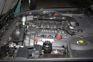 Motore Jaguar XJ V8