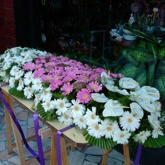 allestimento per cofano funebre