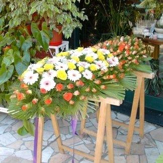 cuscino funebre di gerbere e rose