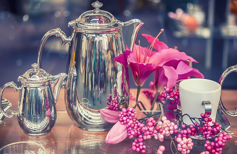 Gioco di caffè di argento elaborato a mano