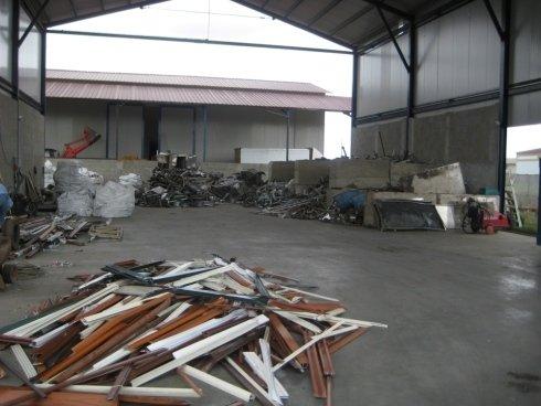 area stoccaggio rottami metallici