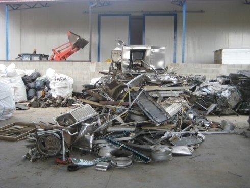 stoccaggio rottami metallici