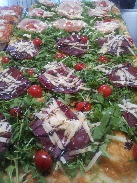 Pizza bresaola e grana