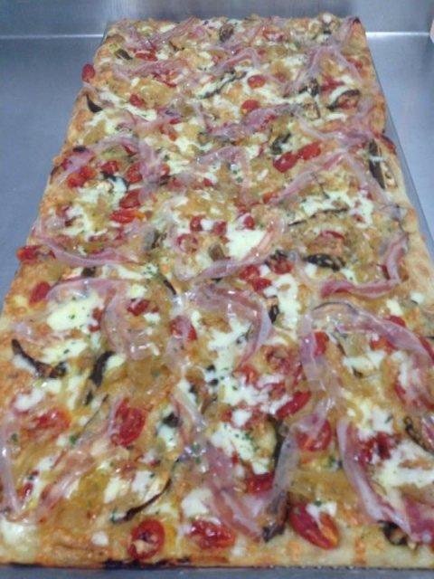 Pizza cipolla e peperoni