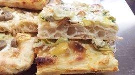 Pizza bianca con cipolle