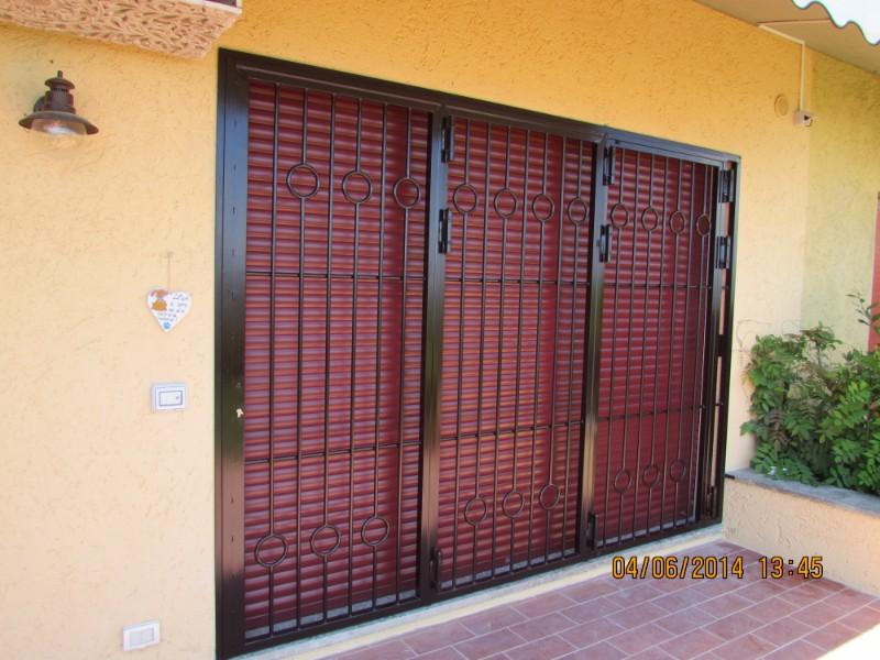 Porte di protezione di terrazza installata