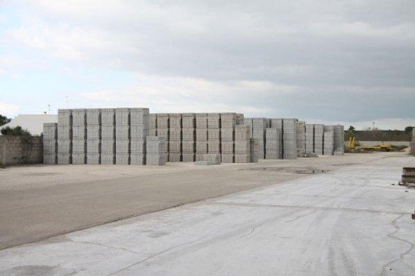 zona di lavoro cemento e mattoni