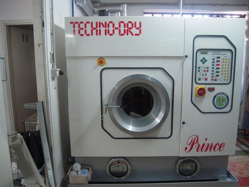 vista di una lavatrice Techno Fry Prince