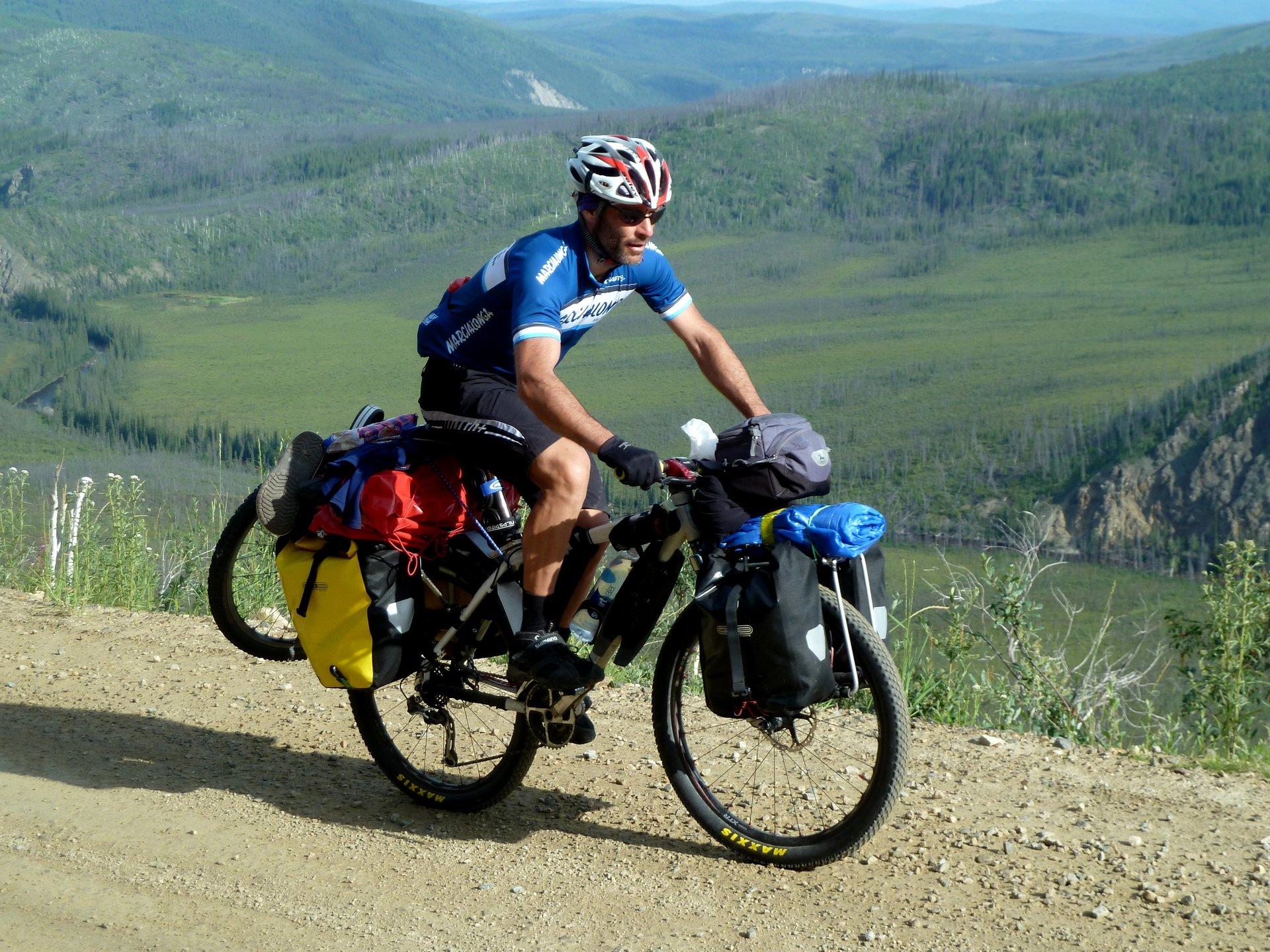 una mountain bike rossa