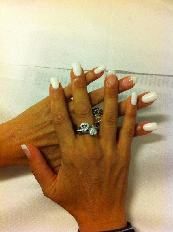 ricostruzione unghie bianche
