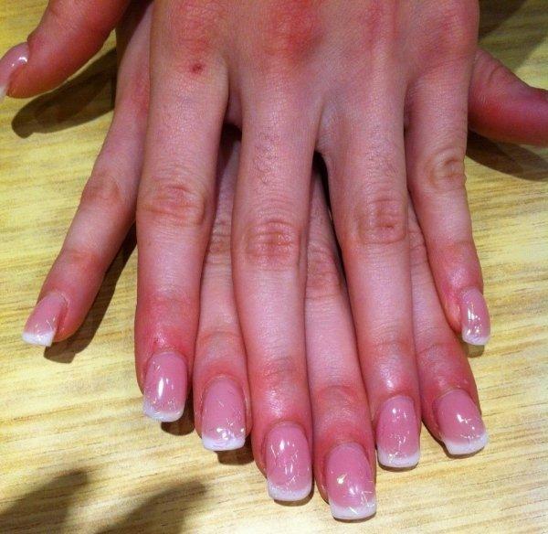 ricostruzione unghie colore naturale