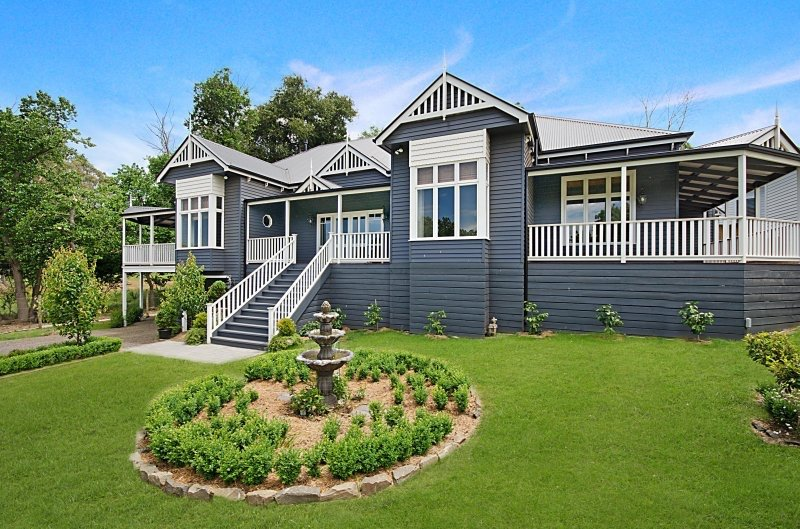 Harkaway homes classic victorian and federation verandah Homestead home designs