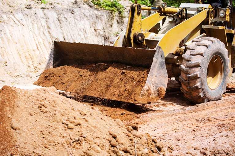 Earthmoving digger