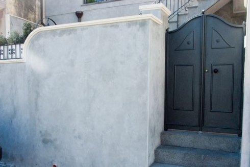Decorazioni in marmo per facciate esterne.