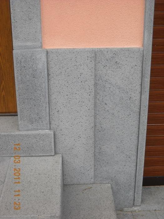 Arredo esterno in pietra lavica a massello bocciardata a mano