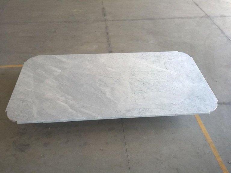 tavolo in marmo bianco