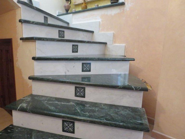 Scale per interni in marmo scala in marmo new cream with for Scale in marmo per interni moderne