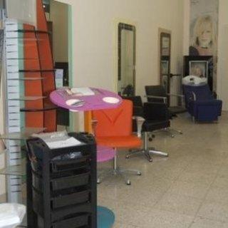 Arredamenti completi palermo a cosmesi tricologica for Arredi per parrucchieri