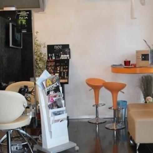 sala taglio e colore parrucchiere