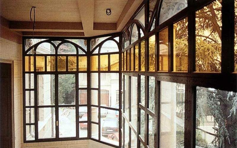 veranda legno scuro
