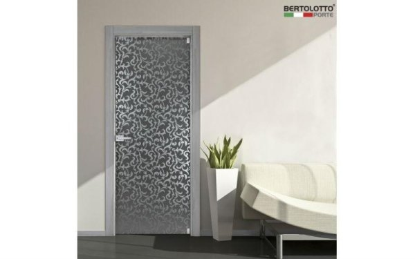 porta intarsiata grigia