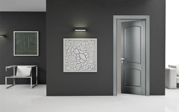 porta classica grigia