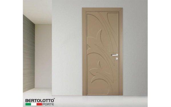 porta decorata tortora