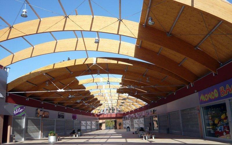 Grandi opere: copertura in legno lamellare