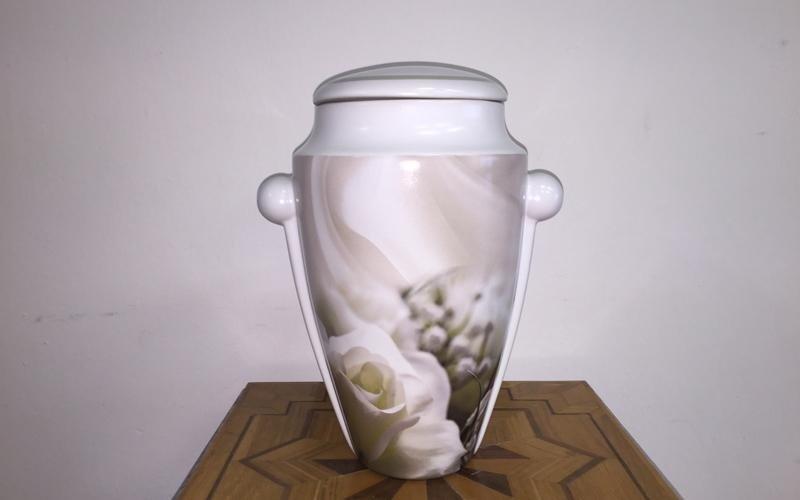 Urna cineraria in ceramica