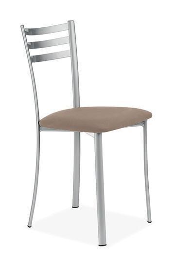Tavoli e sedie - Cappelle dei Marsi Avezzano - Arredamenti D'Andrea