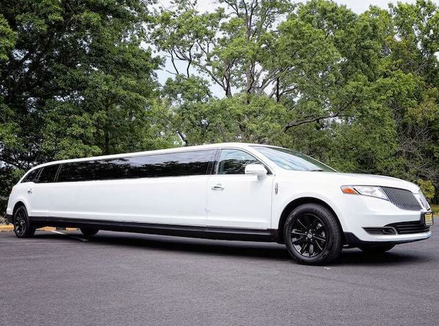 stretch limousine rentals nyc